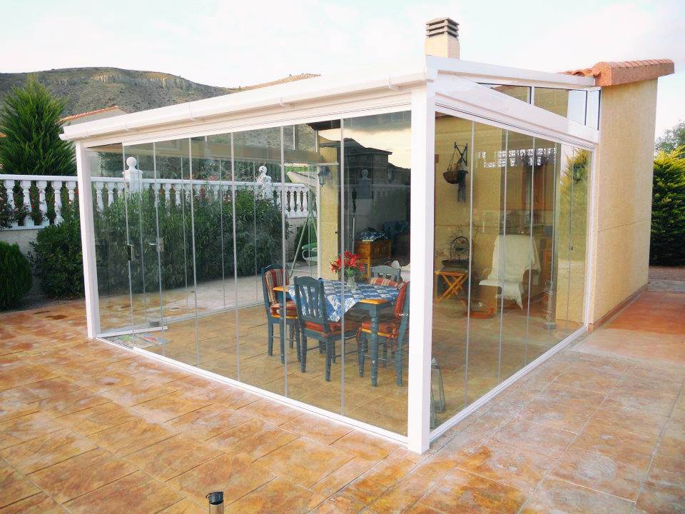 Clearly Frameless Glass Curtains