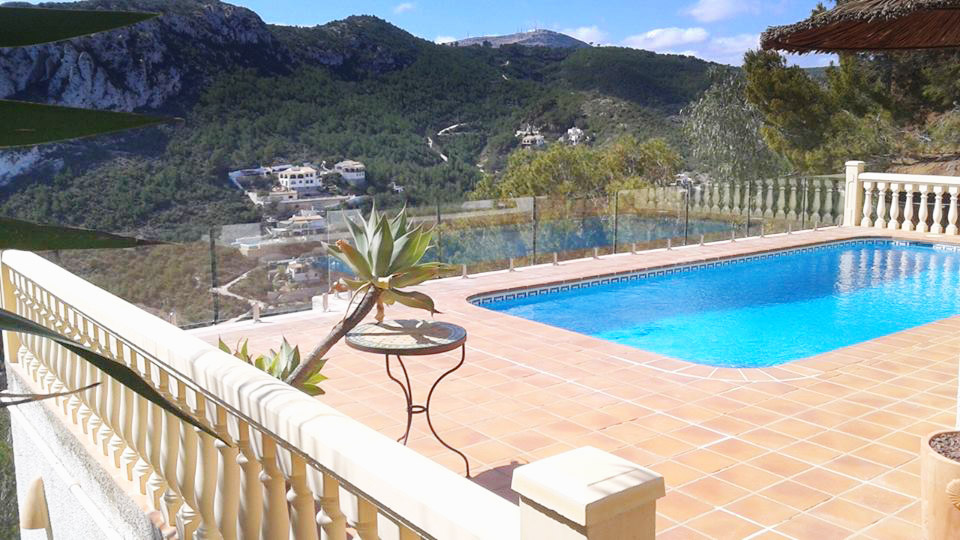 Glass Pool Fencing Safety In Spain Clearly Frameless Costa Blanca